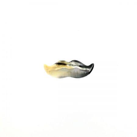 Bartkamm 8,5 cm aus hell gemasertem Rinderhorn